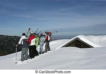 groepering van tieners, in, sneeuw, feestdagen