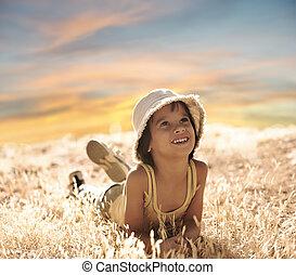 grond, jongen, zomer, het leggen, periode, gele, gras, herfst, vrolijke