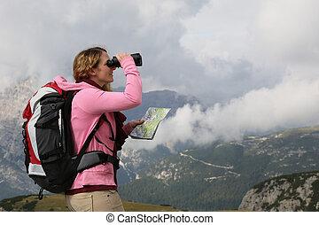 grondig, de, bestemming, terwijl, wandelende, in de bergen