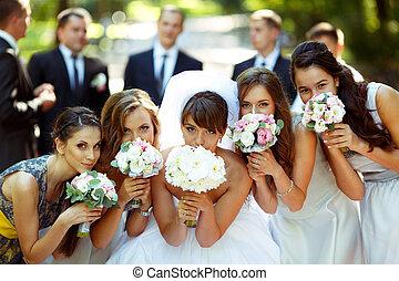 groomsmen, palefrenier, bouquets, pose, filles, mariée,...