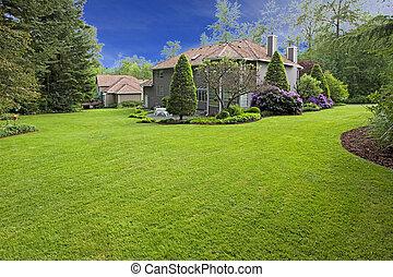 groot, achtertuin, van, de, aardig, bruine , woning