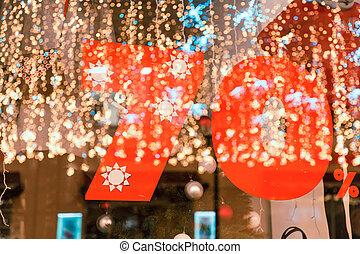 groot, verkoop, 70%, korting, een, spandoek, op, de, glas, met, de, reflectie, van, nieuw jaar, garlands