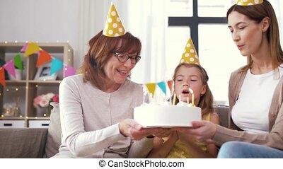 grootmoeder, dochter, verjaardagstaart, moeder