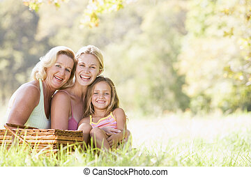 grootmoeder, picknick, dochter, volwassene, kleinkind
