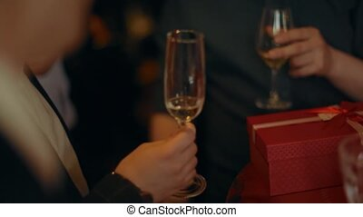 gros plan, champagne, partie., lunettes, gens