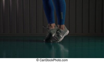 gros plan, corde, femelle sautante, fitness, cardio