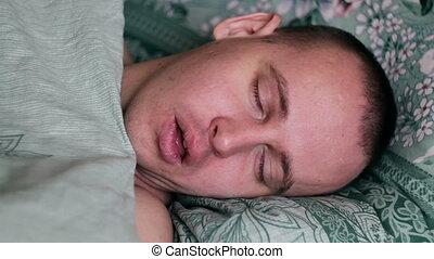 gros plan, coup, jeune, lit, dormir, maison, homme