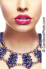 gros plan, femme, rouge lèvres, jeune, clair, portrait