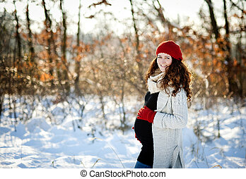 Grossesse hiver belle femme neigeux pregnant for Photo grossesse exterieur hiver