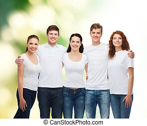 groupe, ados, vide, sourire, t-shirts blancs