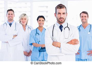 groupe, bureau, monde médical, confiant, médecins, heureux