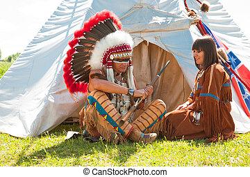 groupe, de, américain nord, indiens, sur, a, wigwam