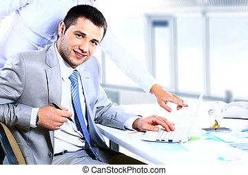 groupe, de, associés, dialoguer, à, réunion, dans, bureau