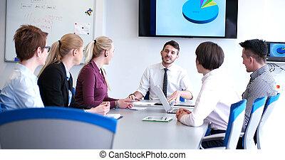 groupe, de, homme affaires, sur, réunion