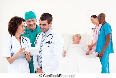 groupe, de, médecins, à, a, patient