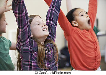 groupe ensemble, enfants, drame, apprécier, classe