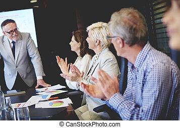 groupe gens affaires, pendant, réunion