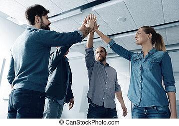 groupe, gens, donner, positif, élevé, autre, cinq, chaque