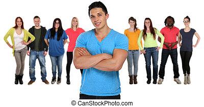 groupe, gens, isolé, jeune, bras croisés, blanc, amis