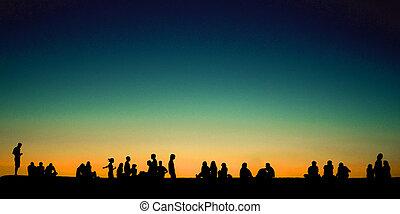 groupe, gens, mur, séance, jeune, coucher soleil
