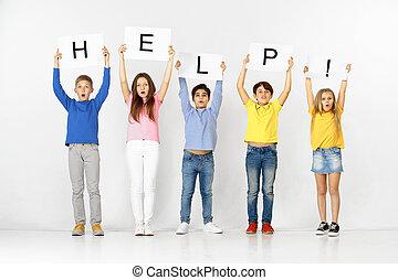 groupe, help., isolé, enfants, bannières, blanc
