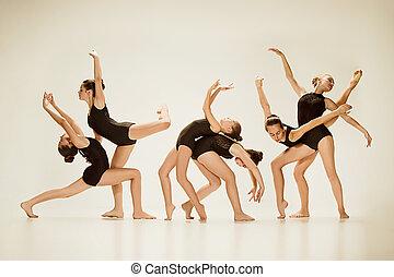 groupe, moderne, danseurs ballet
