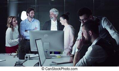 groupe, parler., affaires gens, informatique, bureau