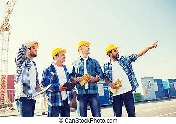 groupe, pc tablette, dehors, sourire, constructeurs