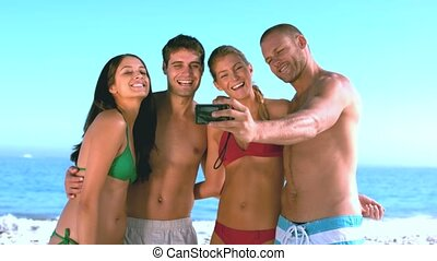 groupe, prendre, amis, selfy
