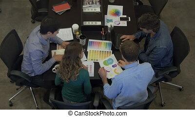groupe, réunion bureau, sommet, businesspeople, mélange, course, table, divers, vue