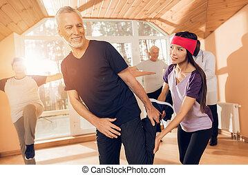 groupe, soins, hommes, personnes agées, gymnastique, femmes, home., thérapeutique