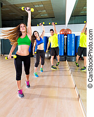 groupe, zumba, gens, danse, gymnase, fitness, cardio