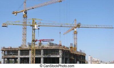 grues, gratte-ciel, trois, construction, stand, défaillance temps