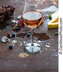 grunge, vetro, rosa, metallo, ghiaccio, bacche, fondo., arrugginito, uva, melone, vino