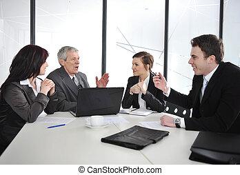 grupa, biuro, handlowy zaludniają, dyskusja, posiadanie