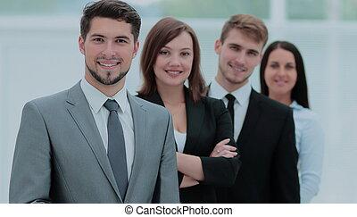 grupa, handlowy zaludniają, pomyślny, patrząc, zaufany