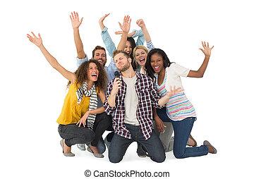 grupa, młody, mająca zabawa, uśmiechanie się, przyjaciele, karaoke