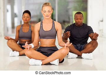 grupa, medytacja, młodzież