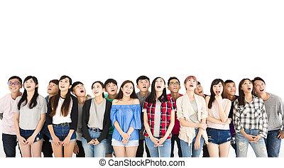 grupa, nad, młode przeglądnięcie, student, szczęśliwy