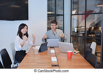 grupa, pokój, handlowy zaludniają, asian, spotkanie