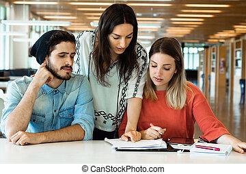grupa, studenci, badając, młody, razem, library.