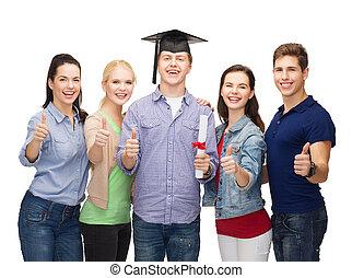 grupa, studenci, pokaz, dyplom, do góry, kciuki