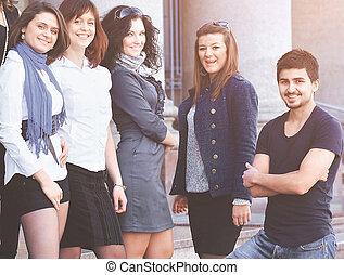 grupa, studenci, radosny, kolegium, kroki, przyjacielski
