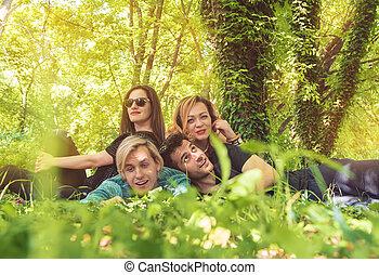 Grupo, amigos, jovem