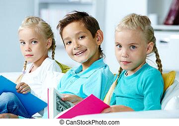 grupo crianças