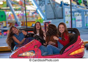 grupo crianças, em, funfair, ou, fairground