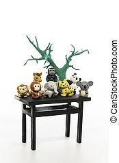 grupo de animales, en, el, negro, tabla