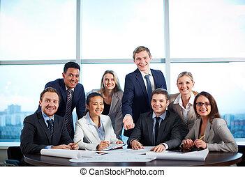 grupo, de, compañeros de trabajo