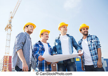 grupo, de, constructores, con, computadora personal tableta,...