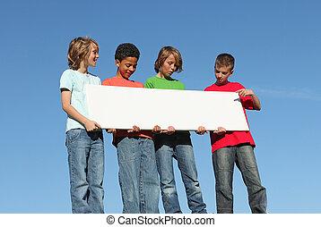 grupo, de, diverso, niños, tenencia, blanco, señal